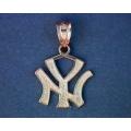 BB4296 14KT Gold Yankee Pendant