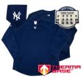 12 New York Yankees Final Season Stadium Therma Base Fleece